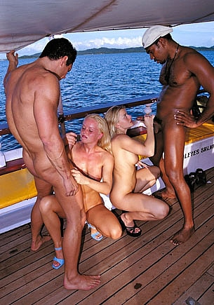 Silvia Saint & Lea de Mae, Orgy Over the Sea