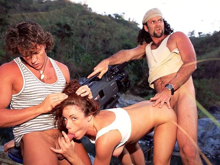 Melissa Hill, Trío con DP en el río