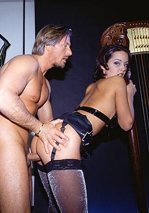 El melómano se monta una orgía anal con un cuarteto de cuerda