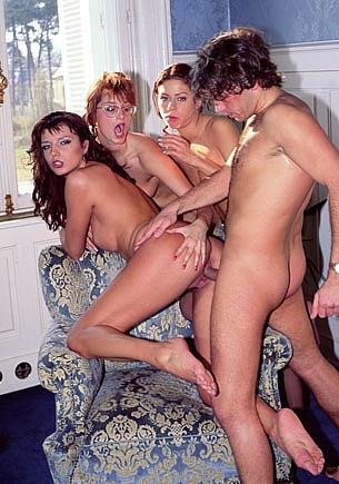 Carmen Shy, Clarisse, Eva Falk & the Voyeur