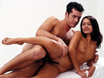 Nurses Christina Nicole Thomson and Vanda Masturbate and Give Blowjobs