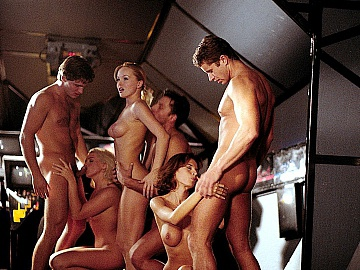 Silvia Saint and Two Friends Are Having a Hardcore Orgy with Blowjobs
