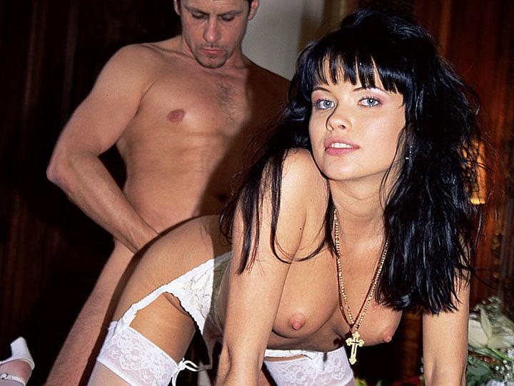 Private video: Tania Rusoff, the Bride is a Piece of Slut
