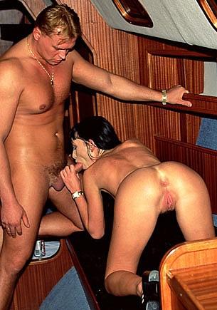 Gili Sky Disfruta con el sexo anal