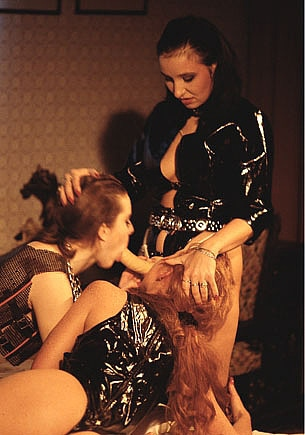 Kai Nobel, Gabriella and Edith in a Lesbian Threeway