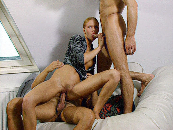 Anja Fischer, Anal Threesome in the Köln Atic