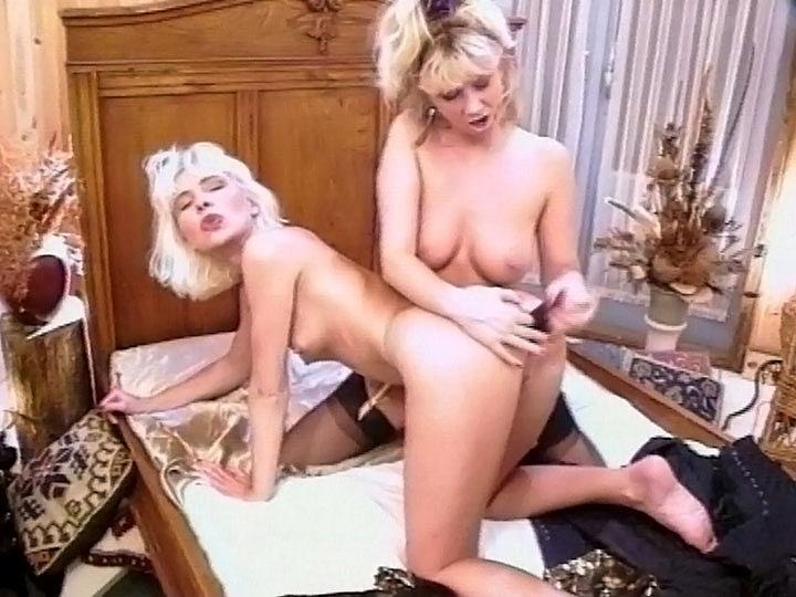 Irina y Helena Duval, dos mujeres in dildo