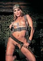 Clara Morgane se une al ejército - thumb 1
