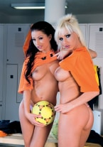 Tera Bond & Alexis - thumb 1