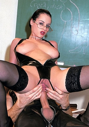 Michelle Wild Gives a Lesson About BDSM Anal Sex