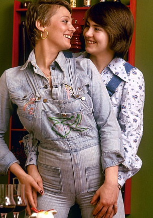 Jenny & Barbro, Charming sales-ladies
