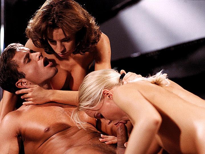Silvia Saint Gives a Blowjob While Wanda Curtis Licks Her Moist Pussy