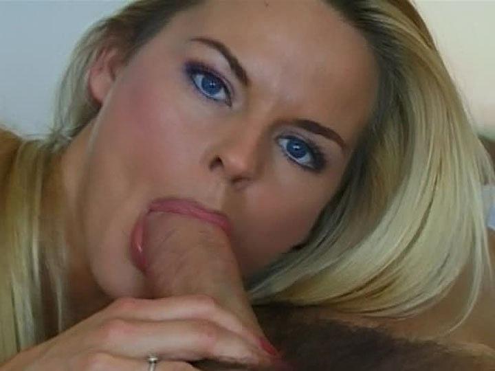Katja Kean, la top model paga al botones